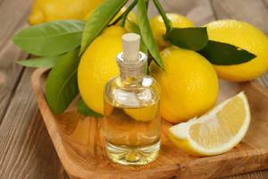 The use of lemon essential oil